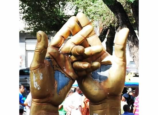 brazil-global-hands